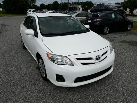 Pre-Owned 2011 Toyota Corolla LE FRONT WHEEL DRIVE sedan
