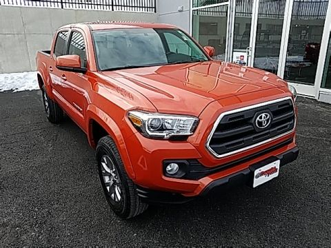 Pre-Owned 2016 Toyota Tacoma SR5 4D Double Cab